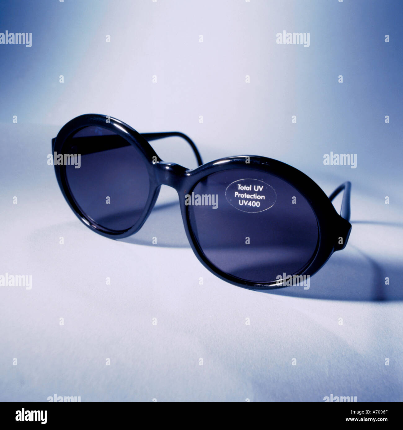 sunglasses-with-uv-ultraviolet-protectio