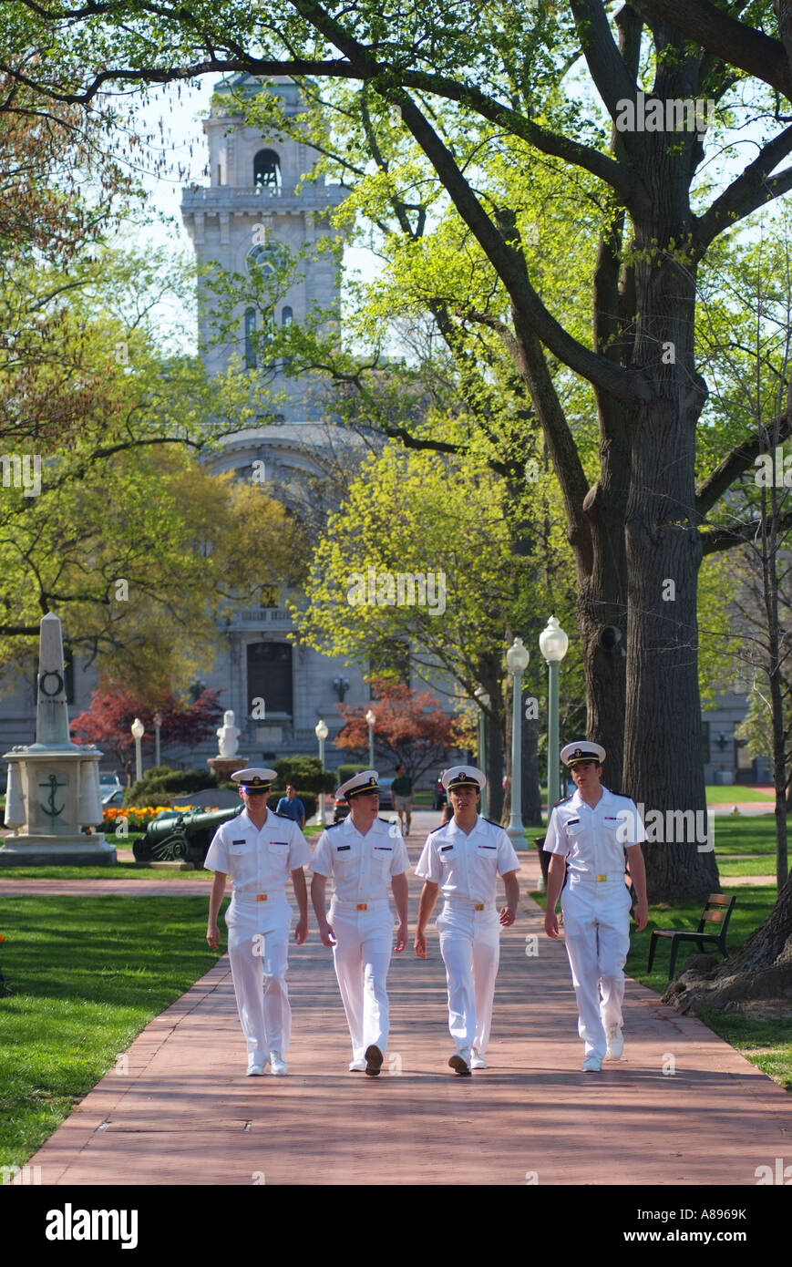 midshipmen-wall-on-the-campus-yard-of-the-u-s-naval-academy-A8969K.jpg