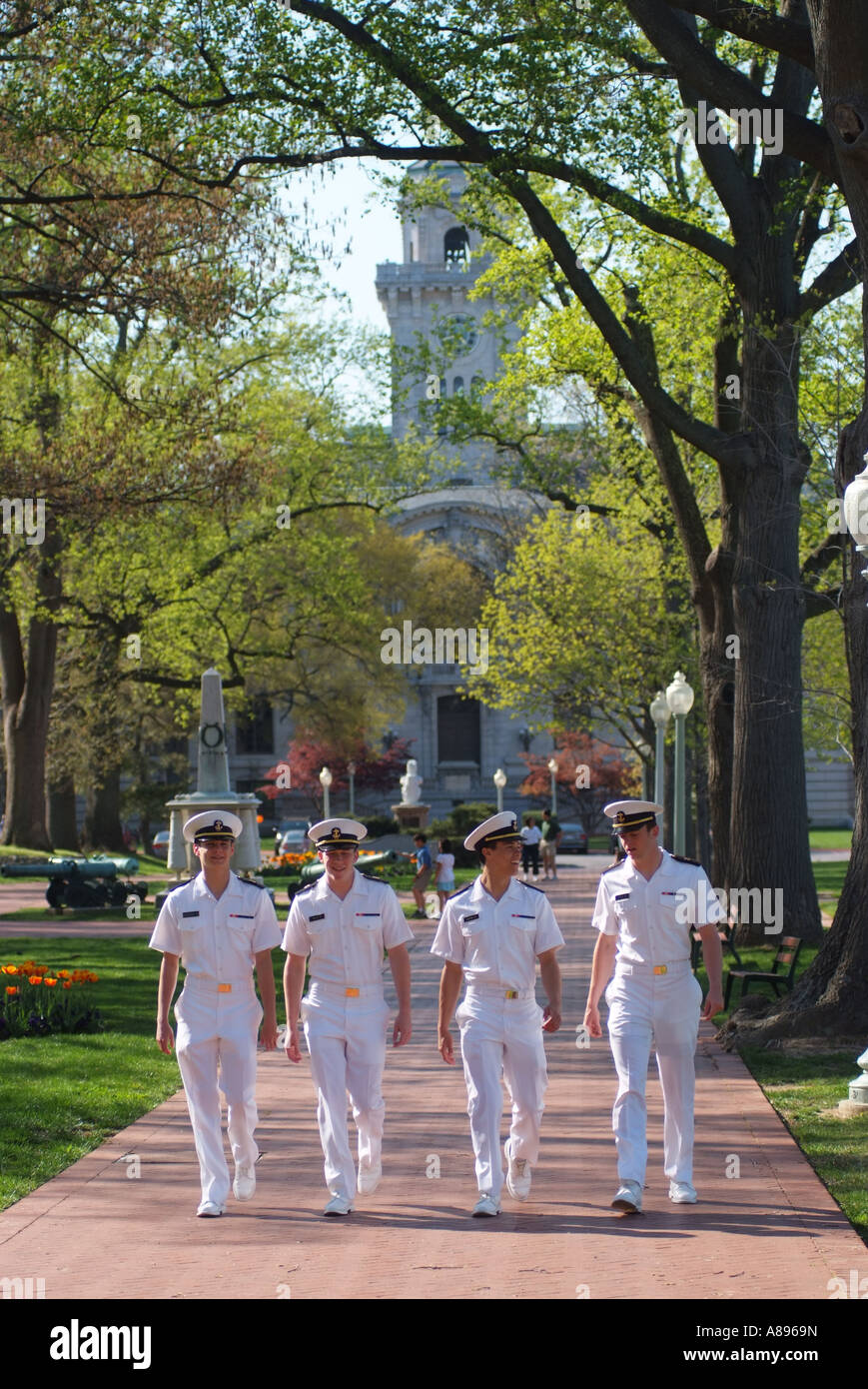 midshipmen-wall-on-the-campus-yard-of-the-u-s-naval-academy-A8969N.jpg