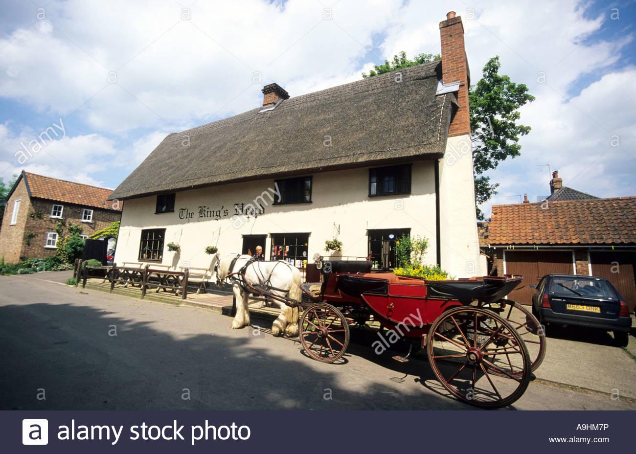 Laxfield, Kings, Head, Pub, Bar, Horse, Carrage, Suffolk, England Stock Photo