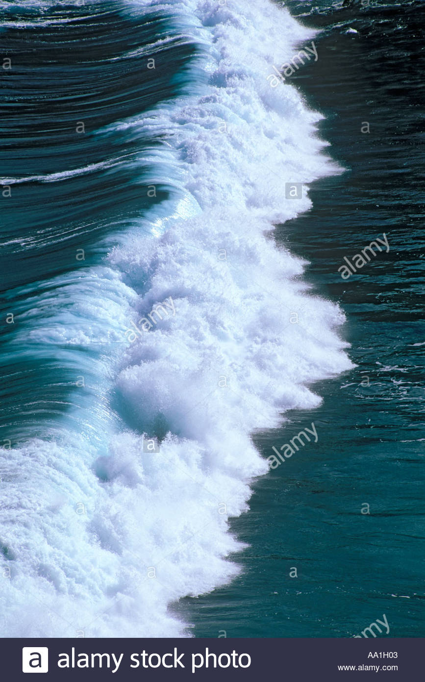 breaking-wave-on-the-coast-of-the-island