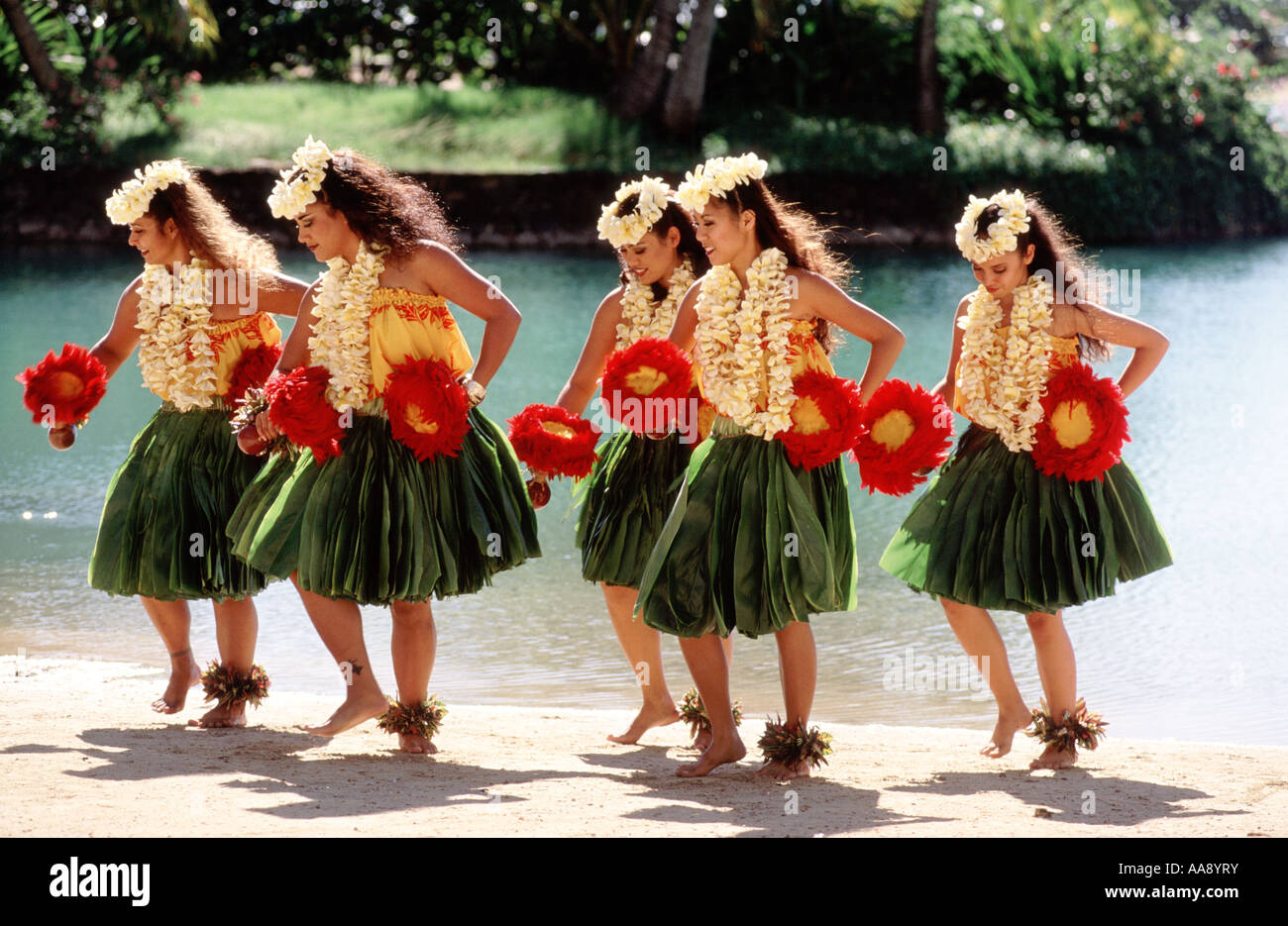 usa-hawaii-honolulu-waikiki-hula-AA8YRY.jpg