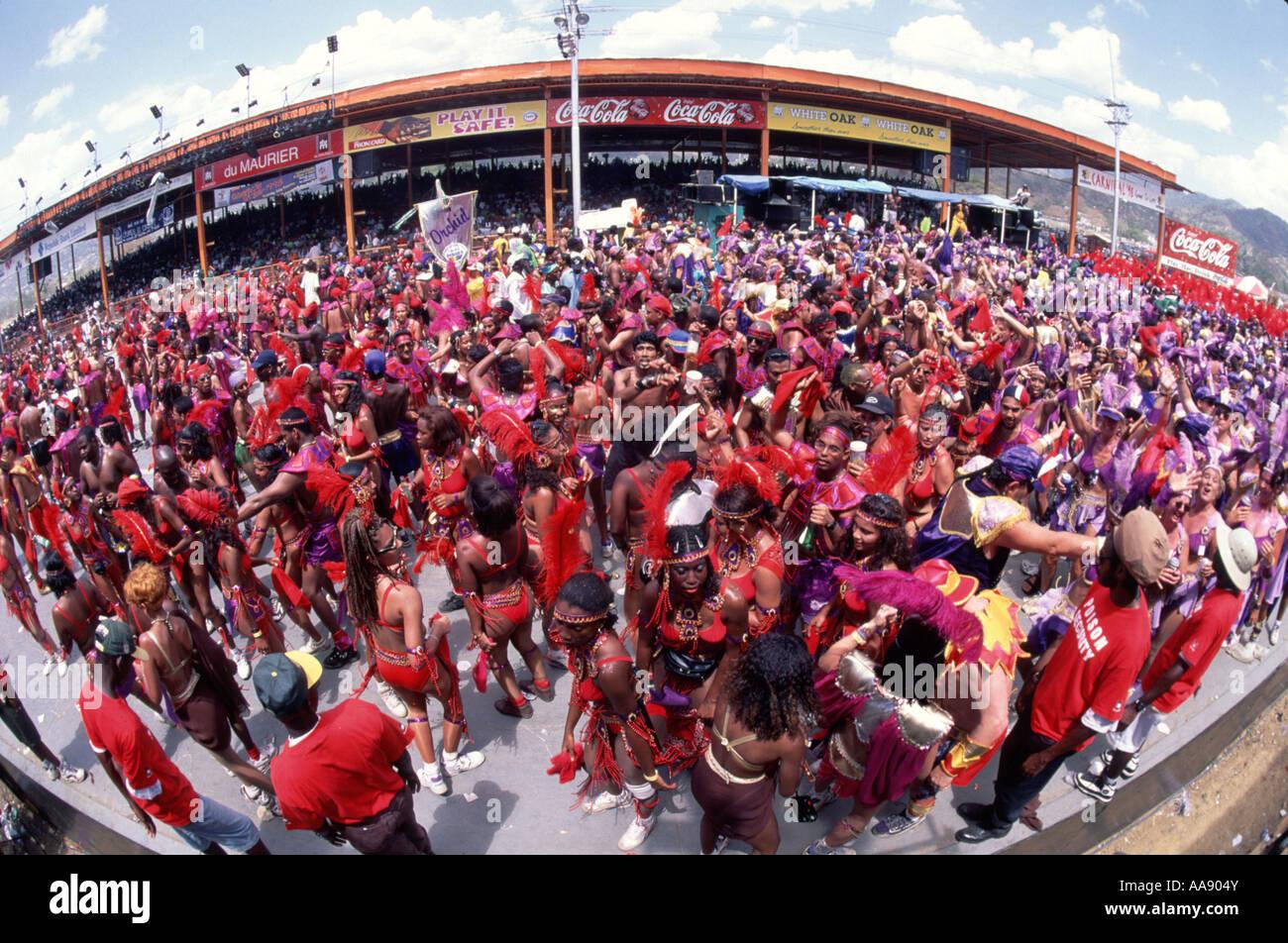 caribbean-trinidad-carnival-parade-AA904Y.jpg