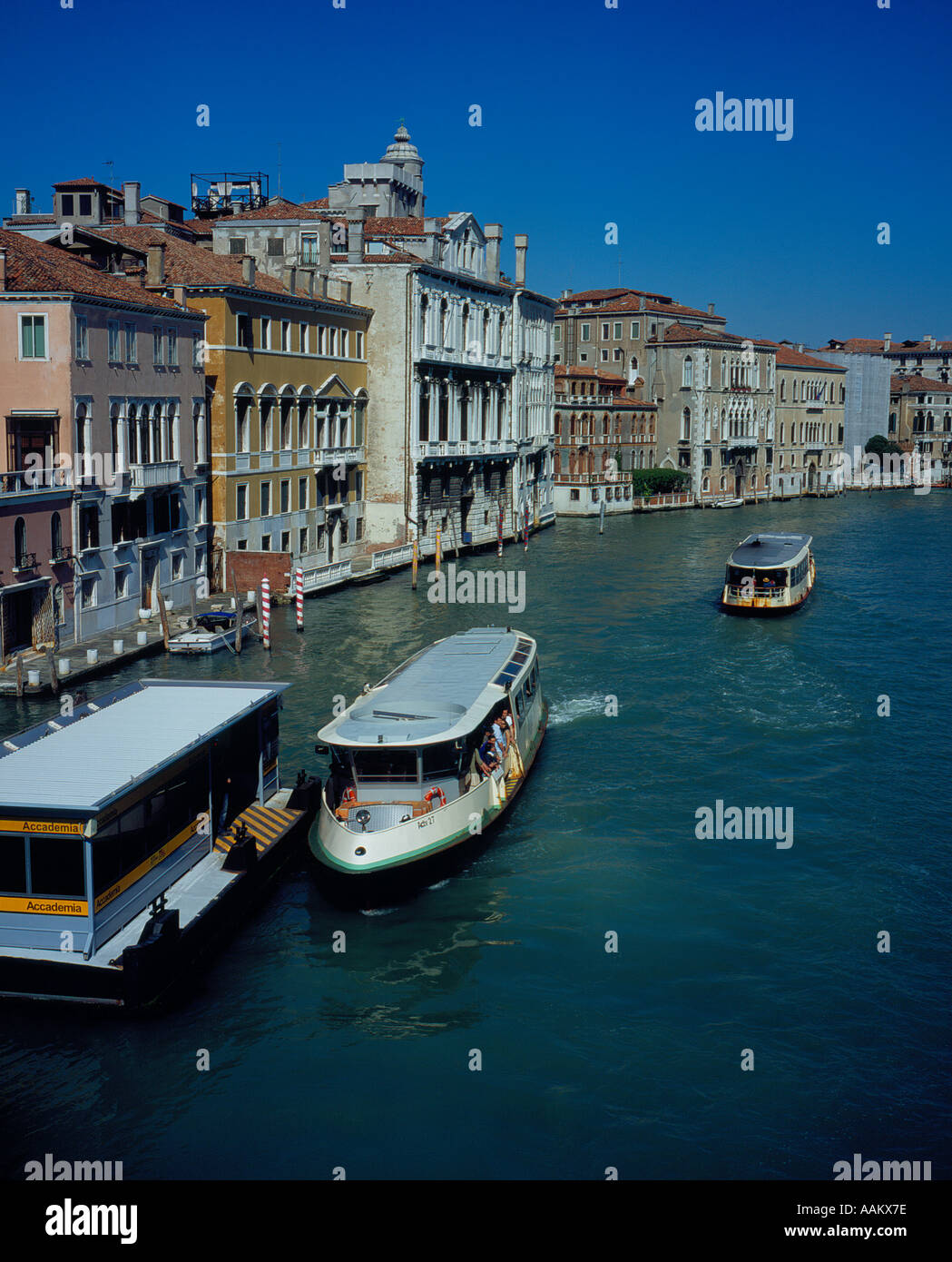 boat stop Accademia Canal Grande Venice, UNESCO World Heritage Site, Italy, Europe. Photo by Willy Matheisl - Stock Image