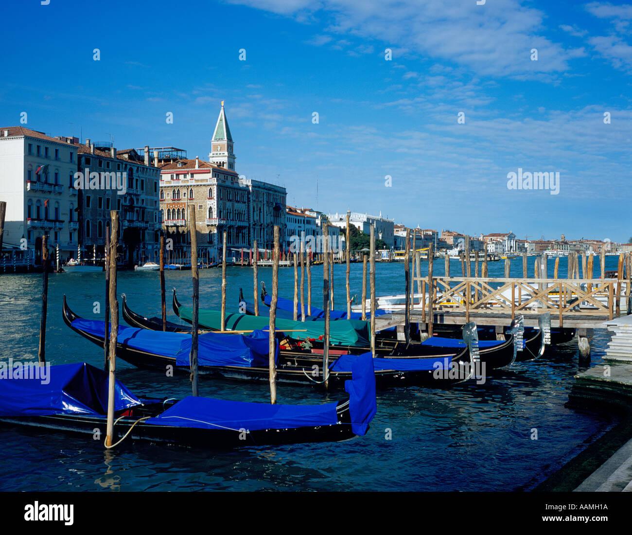 Gondolas on Canal Grande, Venice, UNESCO World Heritage Site, Italy, Europe. Photo by Willy Matheisl - Stock Image