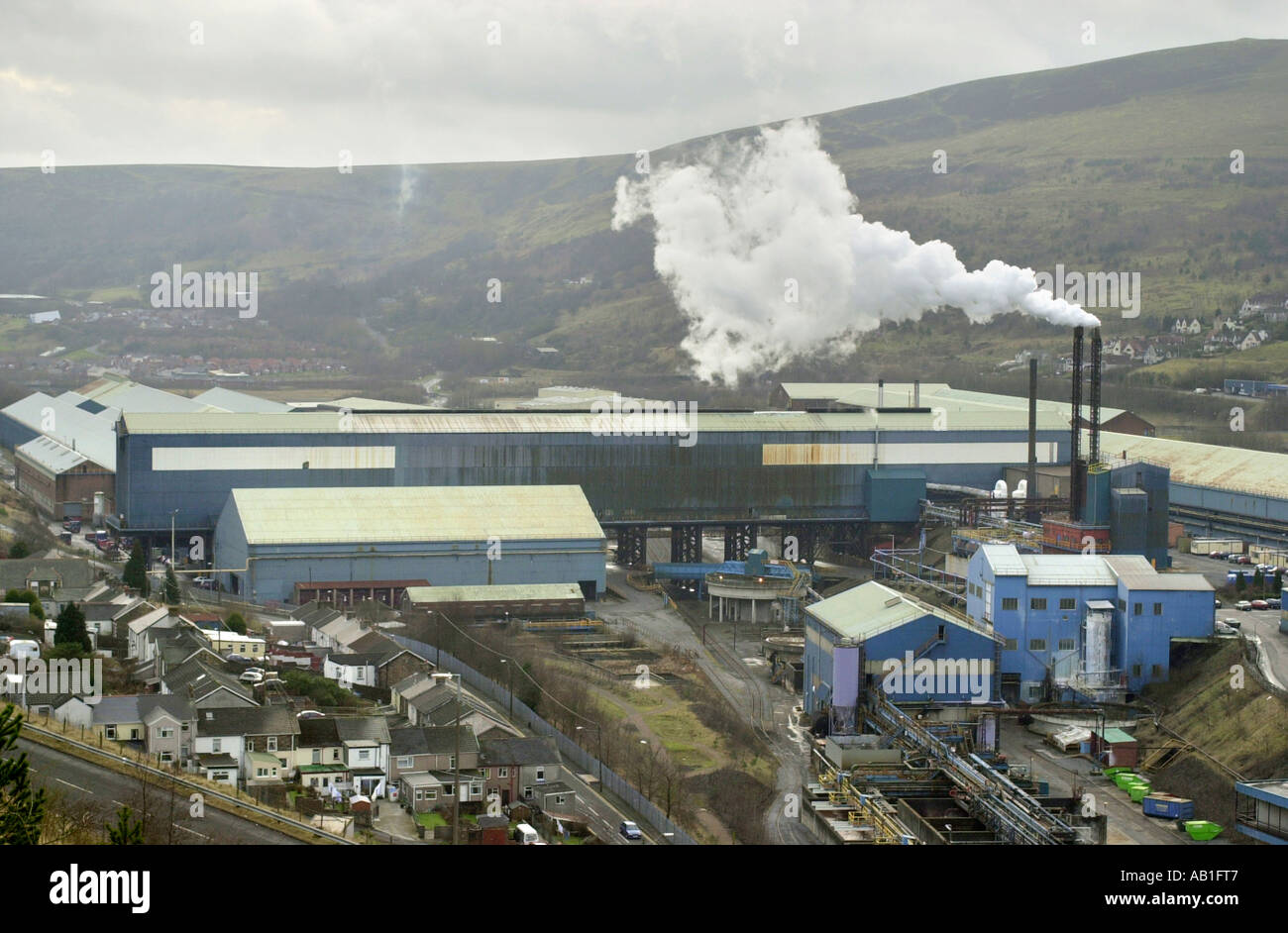 view-over-corus-ebbw-vale-tinplate-works-where-there-was-over-200-AB1FT7.jpg