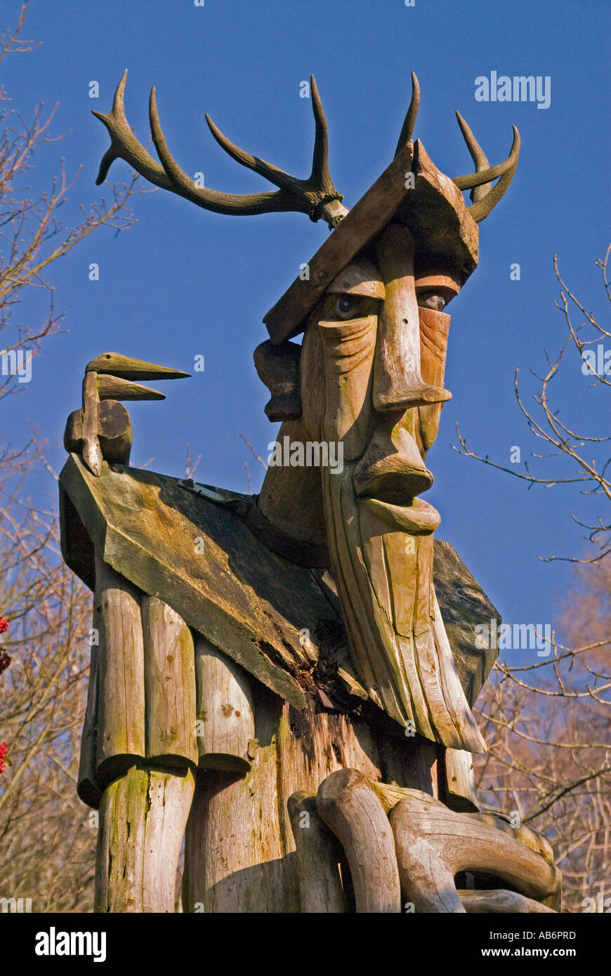 ancient-forester-ii-detail-outdoor-sculpture-by-david-kemp-grizedale-AB6PRD.jpg