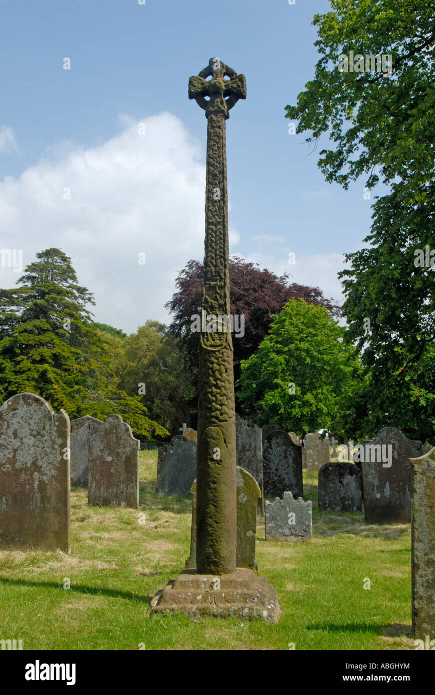 gosforth-cross-church-of-saint-mary-gosforth-lake-district-national-ABGHYM.jpg
