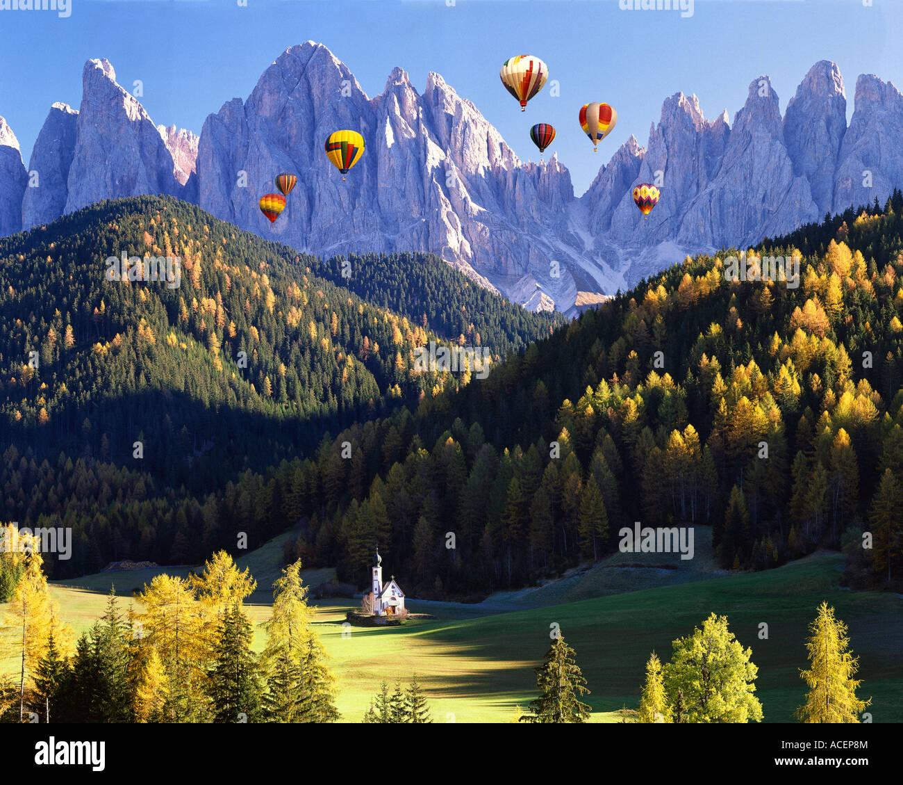 IT - DOLOMITES:  St. Johann in Ranui and Geisler Spitzen Mountains - Stock Image