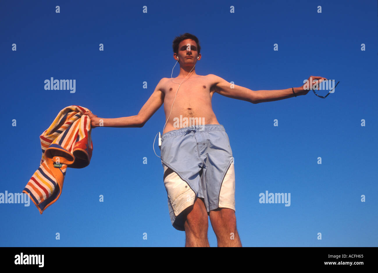 tall guy stock photos & tall guy stock images - alamy
