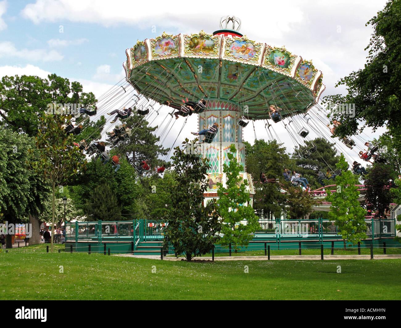 roundabout in le jardin d acclimatation paris france - Jardin D Acclimatation Paris