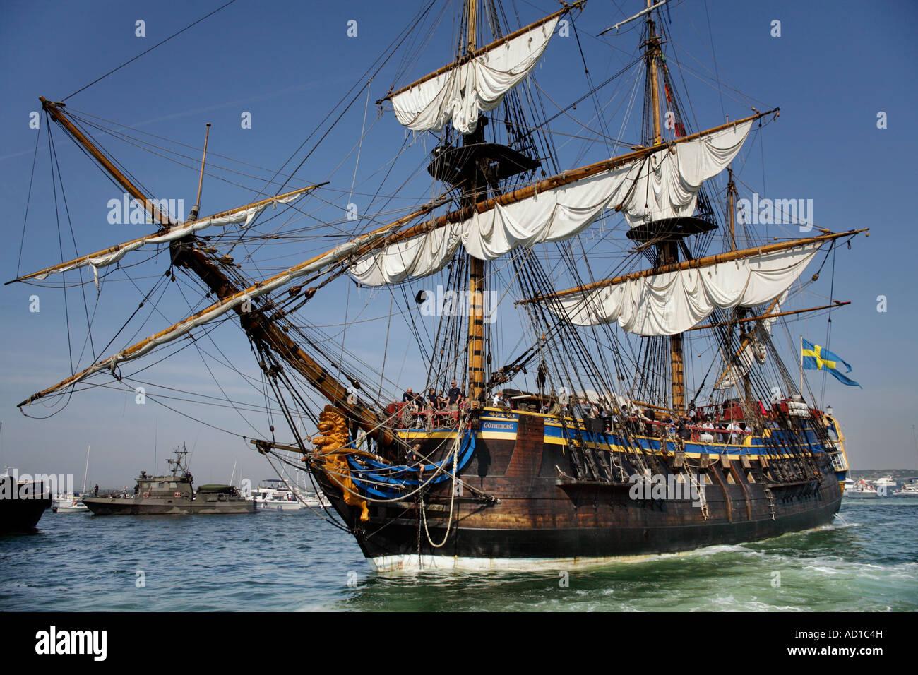 Replica of East Indiaman Gothenburg (Ostindiefararen Göteborg) back home on anchor in Gothenburg's estuary - Stock Image