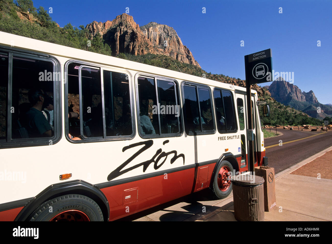 free tourist shuttle bus in zion canyon zion national park utah