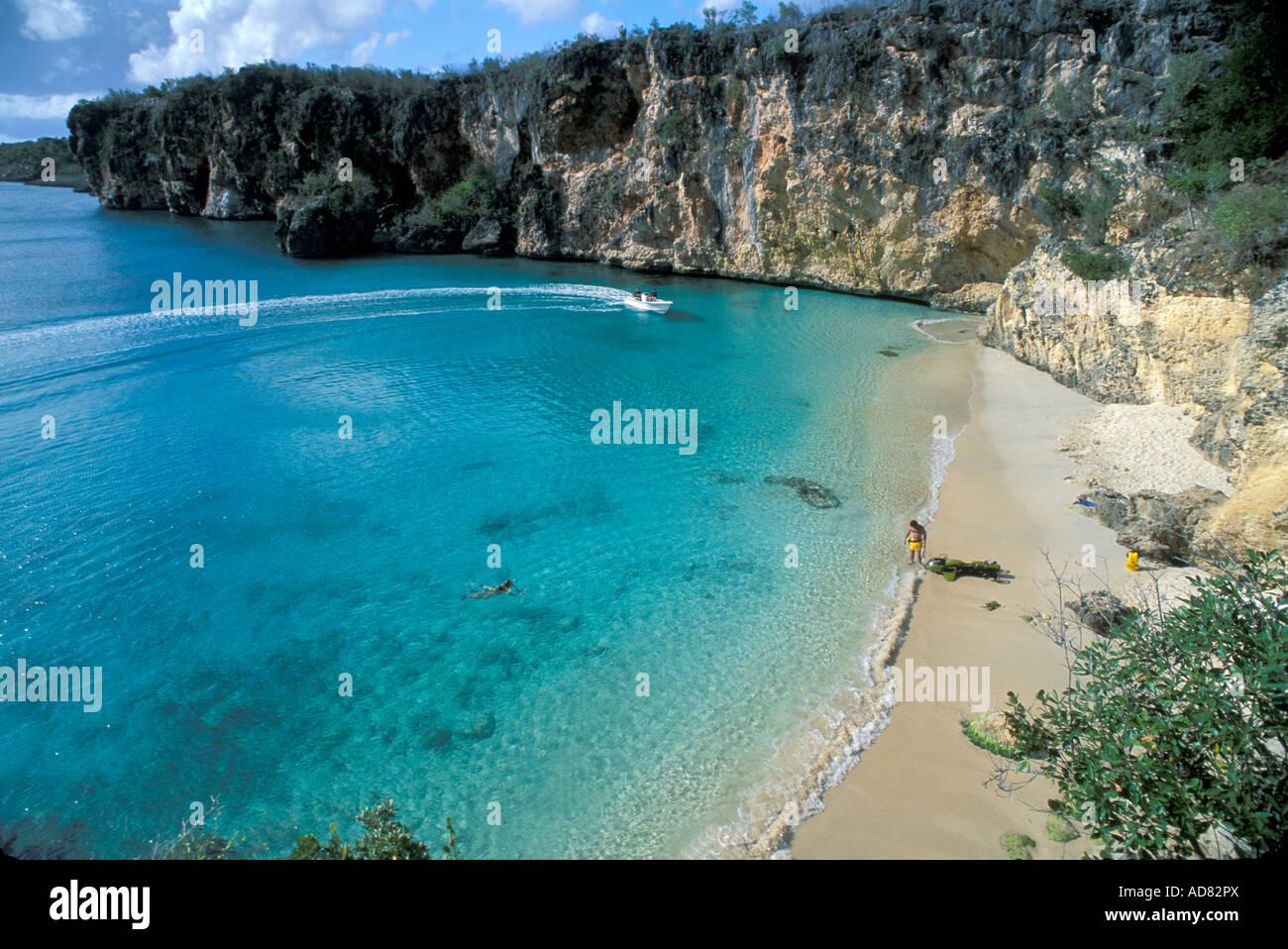 caribbean-anguilla-little-bay-british-we