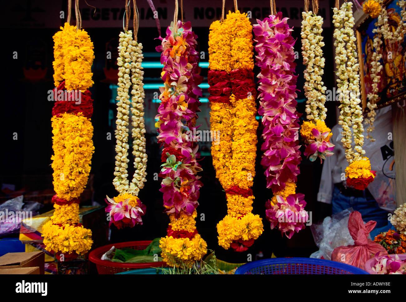Flower garland flower garlands flowers wreath flower shop flower garland flower garlands flowers wreath flower shop little india little india district singapore southeast asia izmirmasajfo Gallery