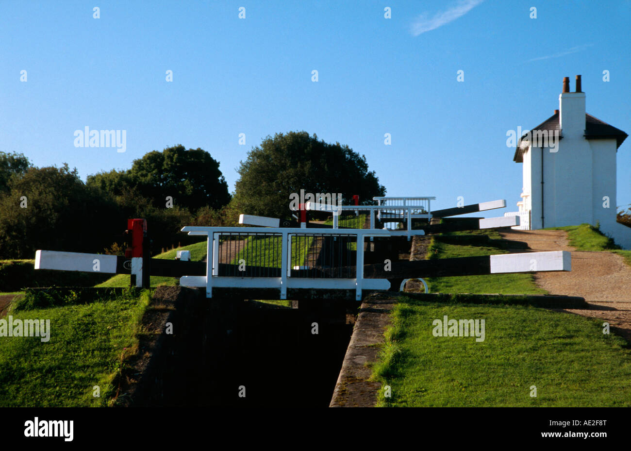 Foxten lock on the canal - Stock Image