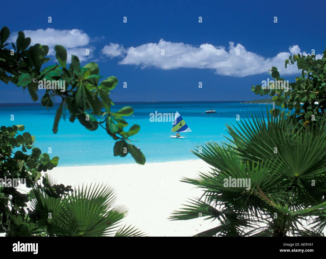 maunday-s-bay-anguilla-at-cap-juluca-resort-hotel-peering-through-AE9YA1.jpg