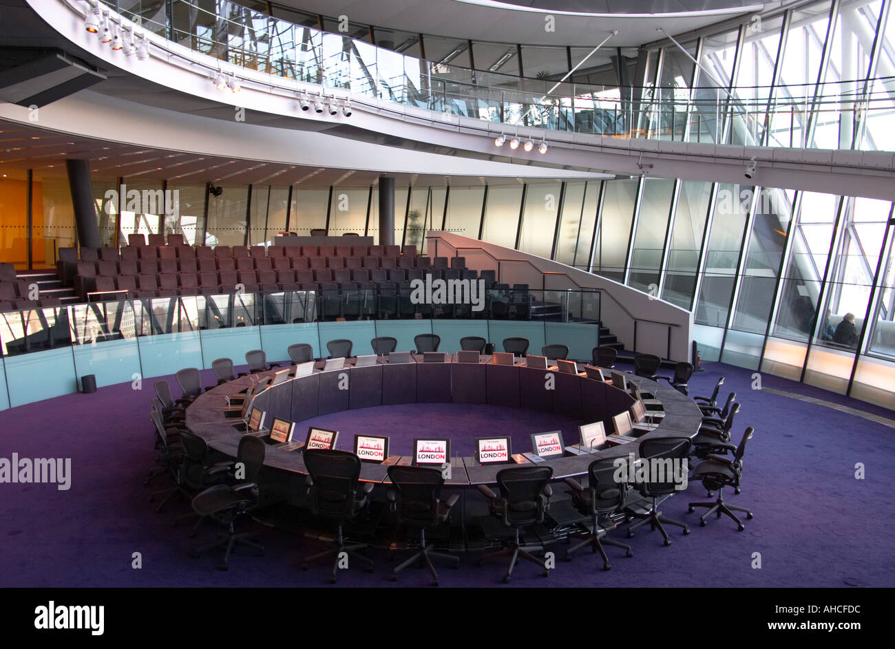 day GLA City Hall interior designed by Foster and Partners in London ...