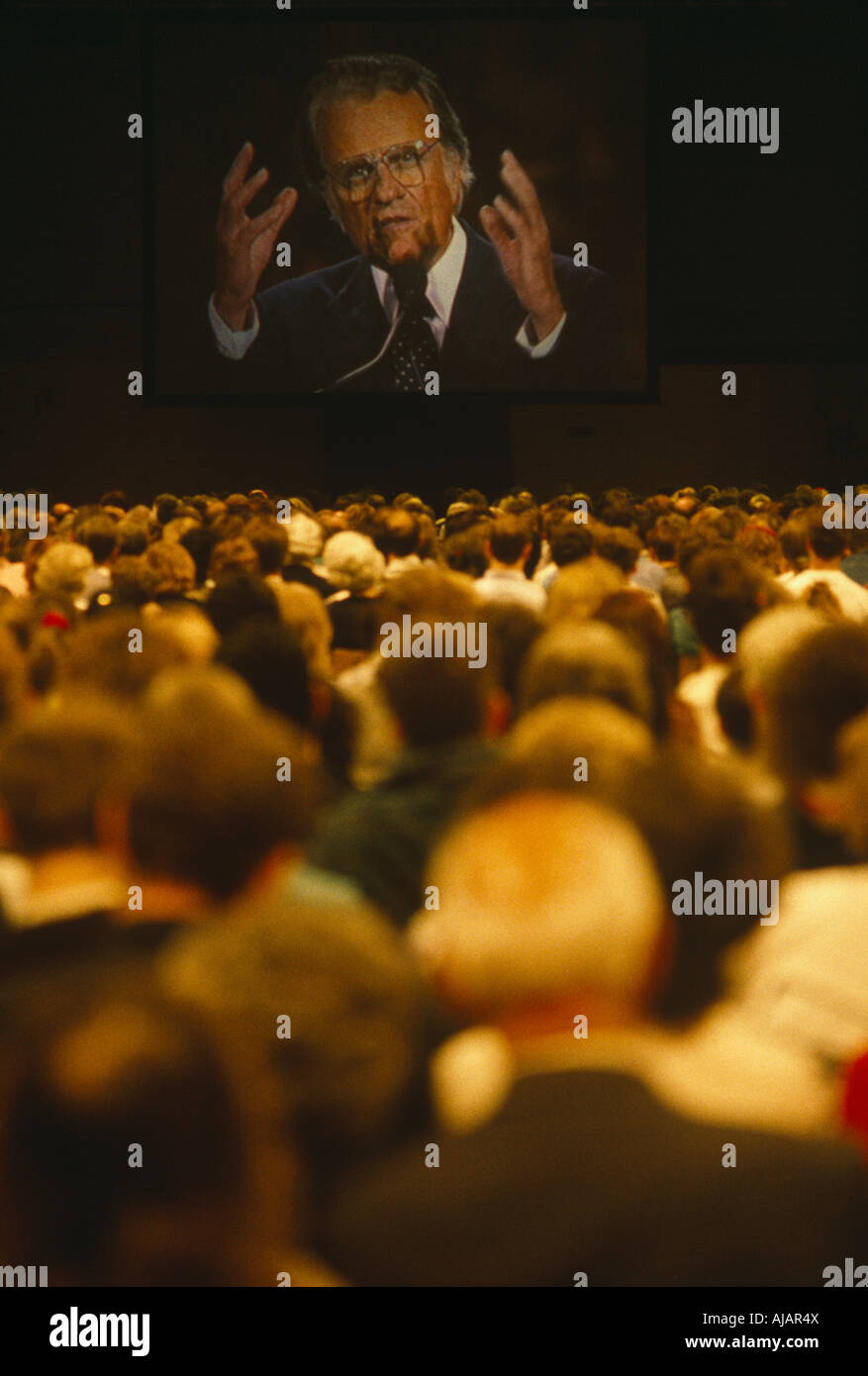 relayed-on-a-giant-screen-billy-graham-p