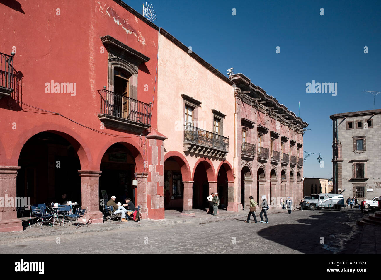 Cafes and shops surrounding Jardin Principal the main square of San Miguel de Allende Mexico - Stock Image