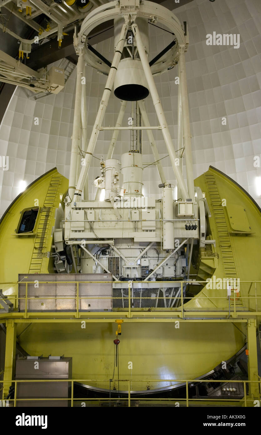anglo-australian-telescope-aat-at-siding-spring-observatory-mt-woorut-AK3X0G.jpg