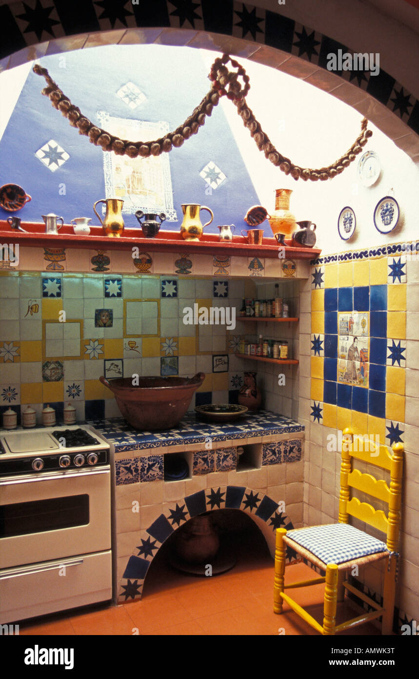 mexican-style-kitchen-in-the-the-robert-