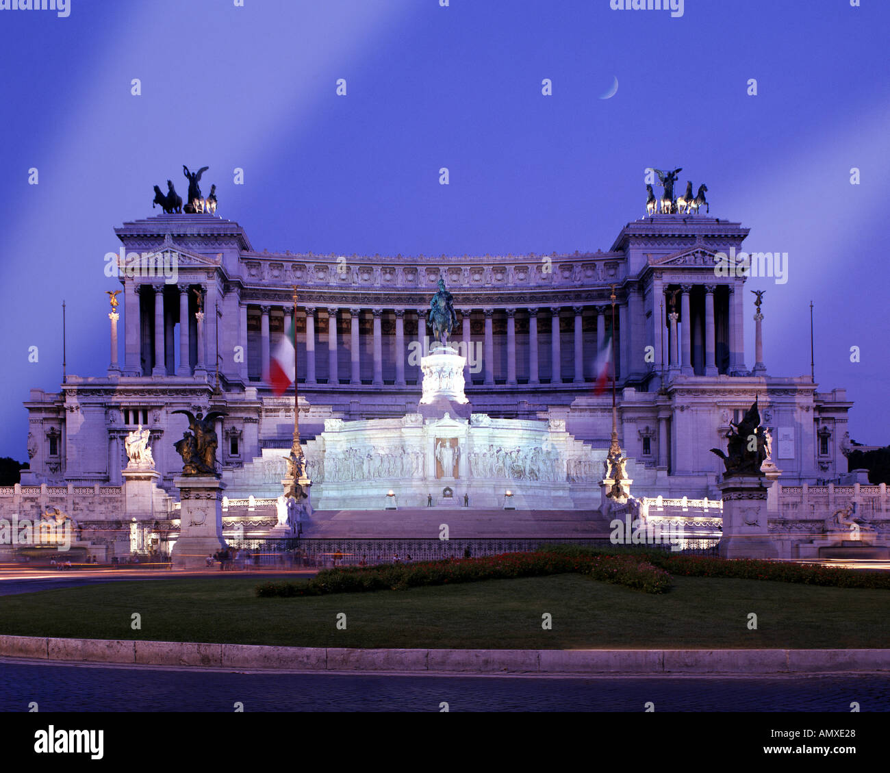 IT - ROME: Vittorio Emanuele II Monument by night - Stock Image