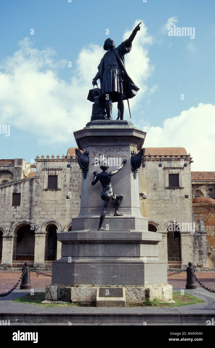 statue-of-christopher-columbus-in-parque