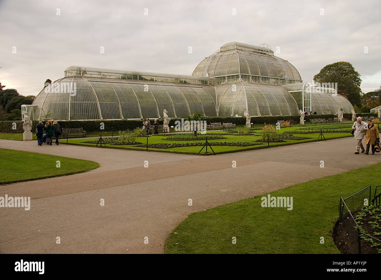 Palm house at Kew Gardens built in 1844-48 by Richard Turner to ...