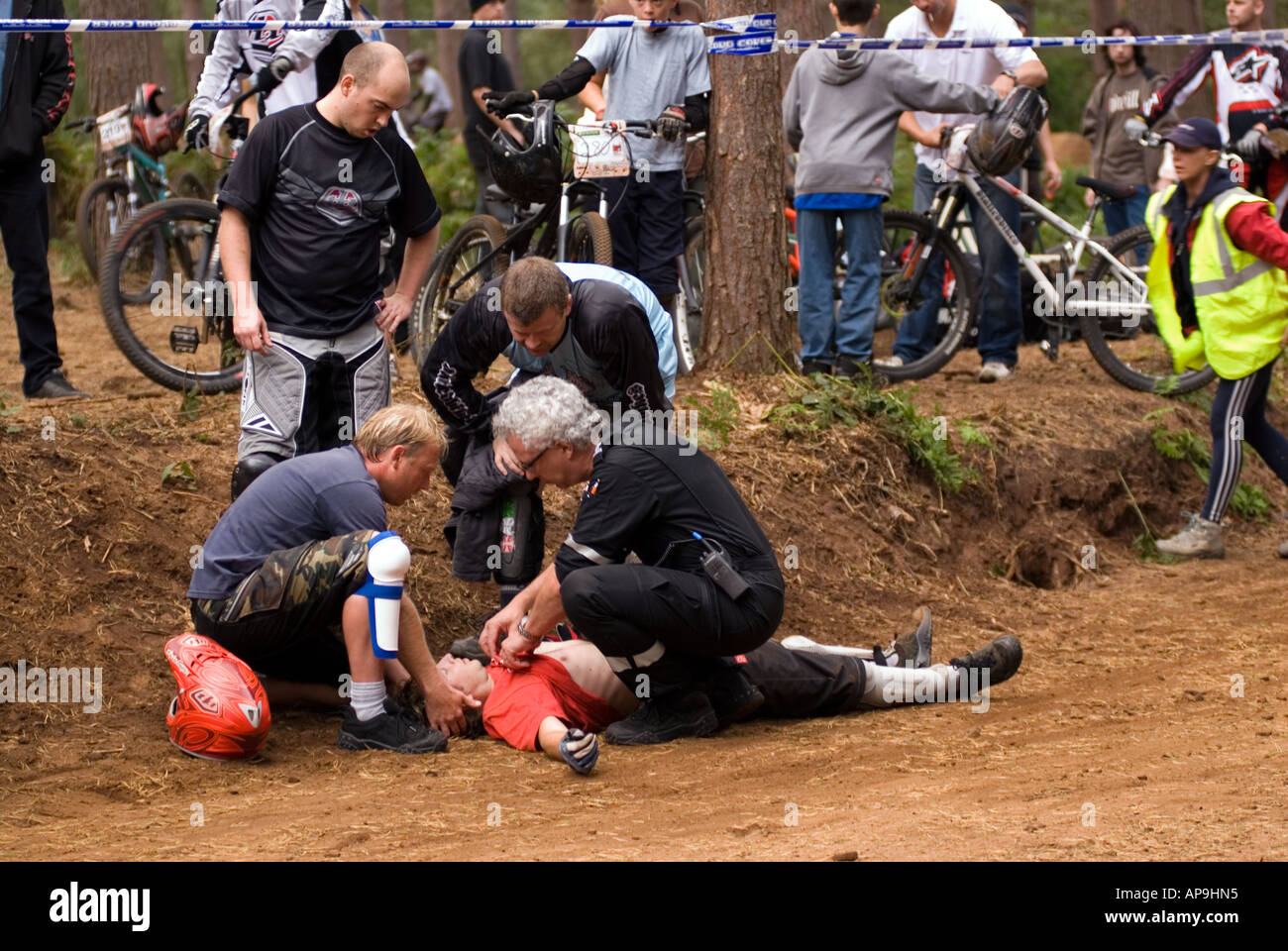 Exteme Medics attend a mountain bike crash at the final Round of the National 4X Series at Beds Fat Trax Chicksands - Stock Image