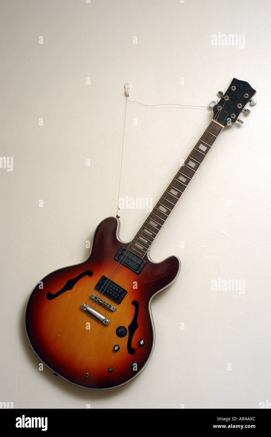 electric-guitar-AR4AXC.jpg