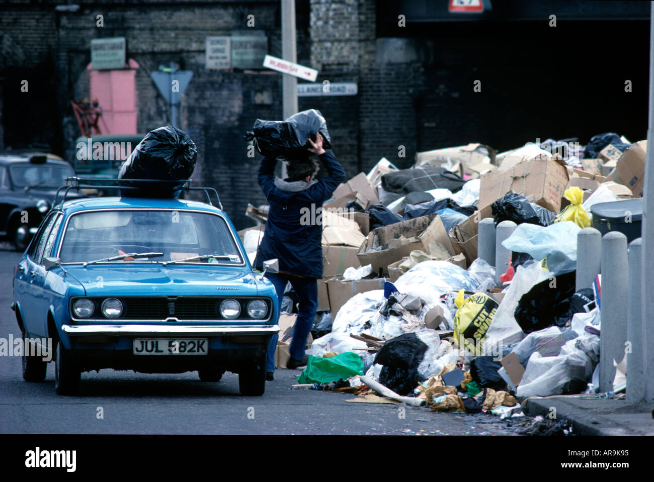 Winter of Discontent, London, 1979. Rubbish piled high in the streets of East London as public sector workers went Stock Photo