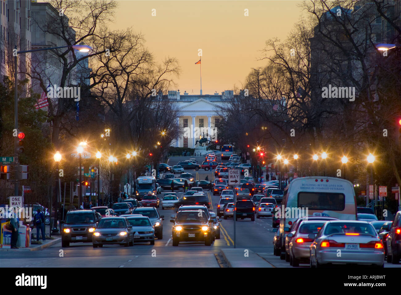 https://c7.alamy.com/comp/ARJBWT/view-down-16th-street-nw-washington-dc-with-the-white-house-at-the-ARJBWT.jpg