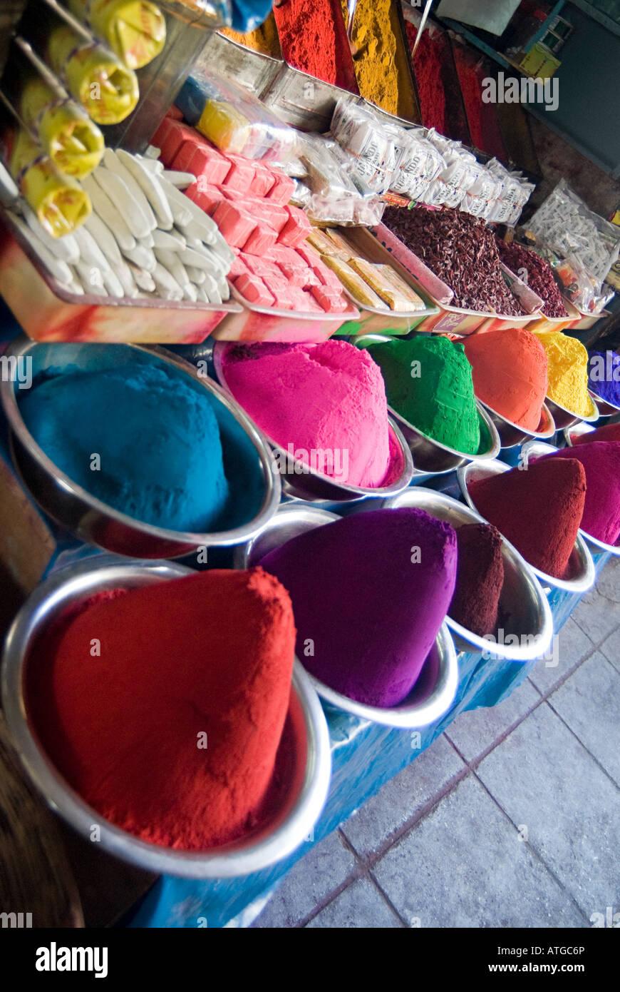 Tikka powder stall - Stock Image