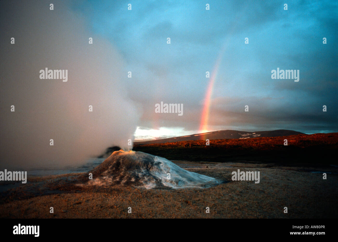 PICTURE CREDIT DOUG BLANE Rainbow and steaming geothermal vent near the Langjokull glacier Iceland - Stock Image