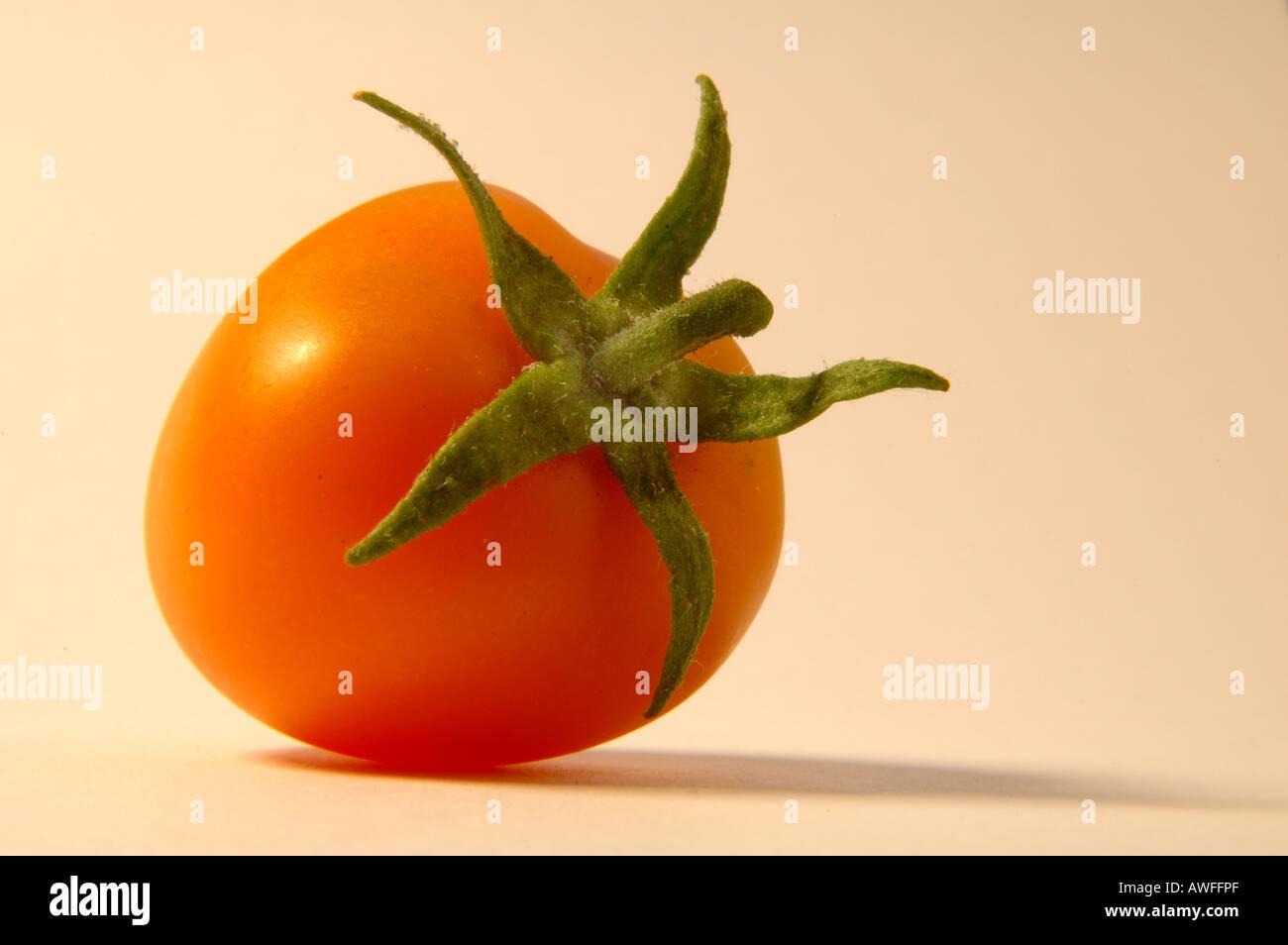 Yellow tomato 2 of 2 - Stock Image