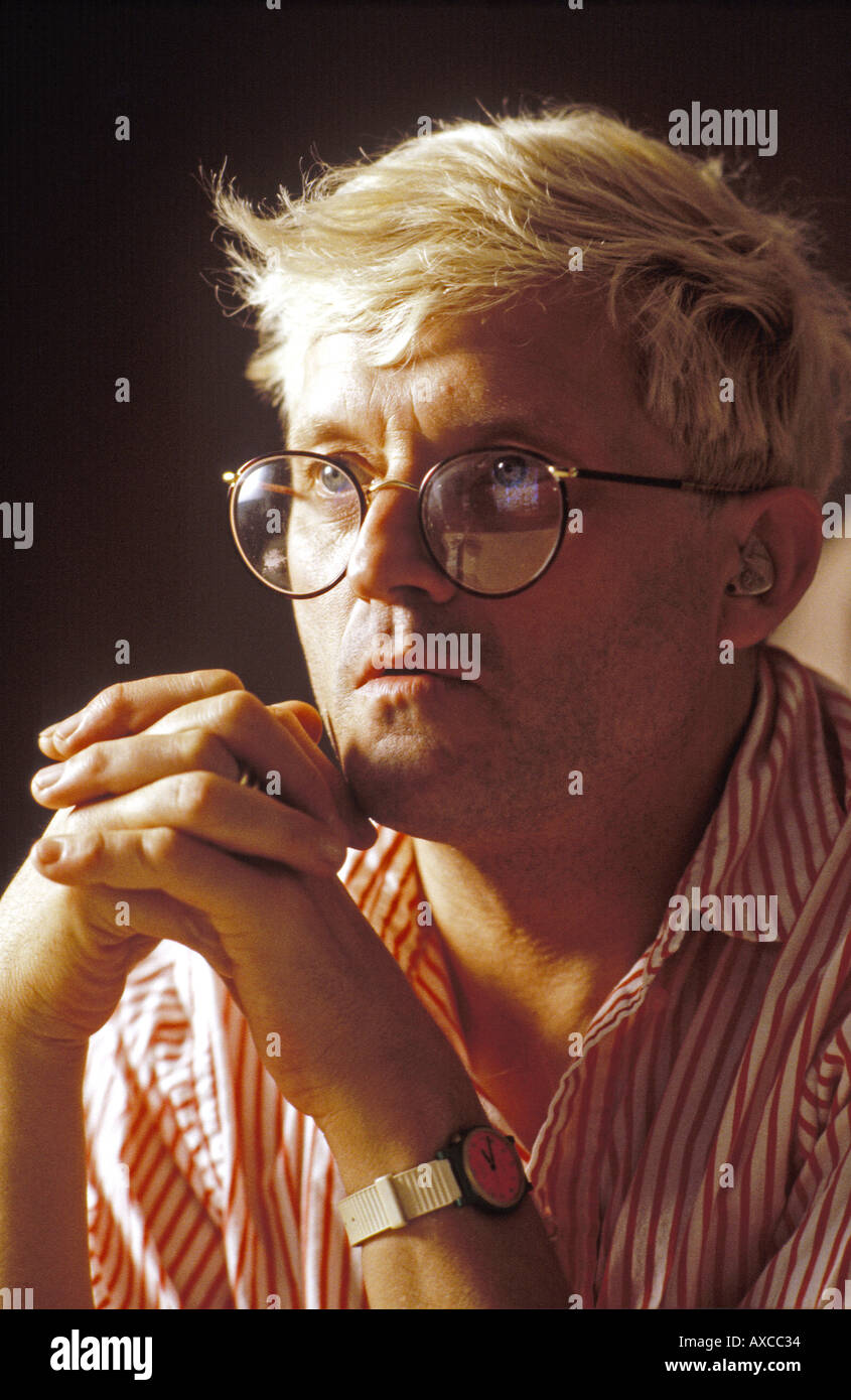 David Hockney artist working on Quantel Paintbox PER0006 - Stock Image