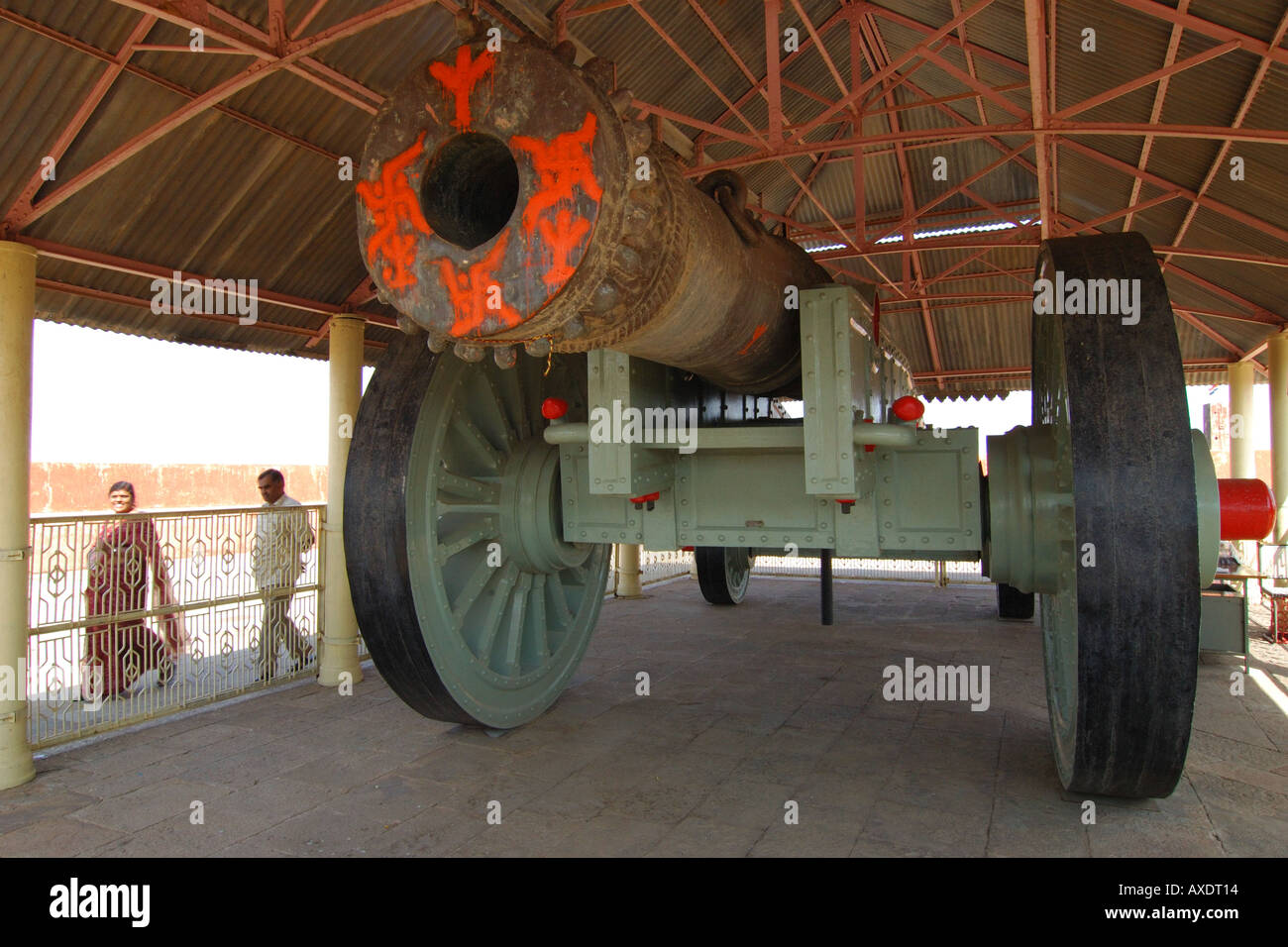 Huge cannon in Amber Fort, India - Stock Image