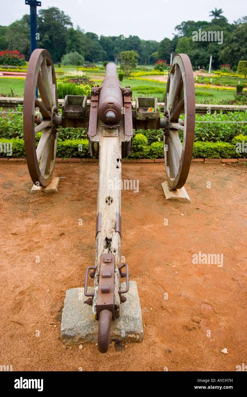 Cannon outside Bangalore Palace - Stock Image