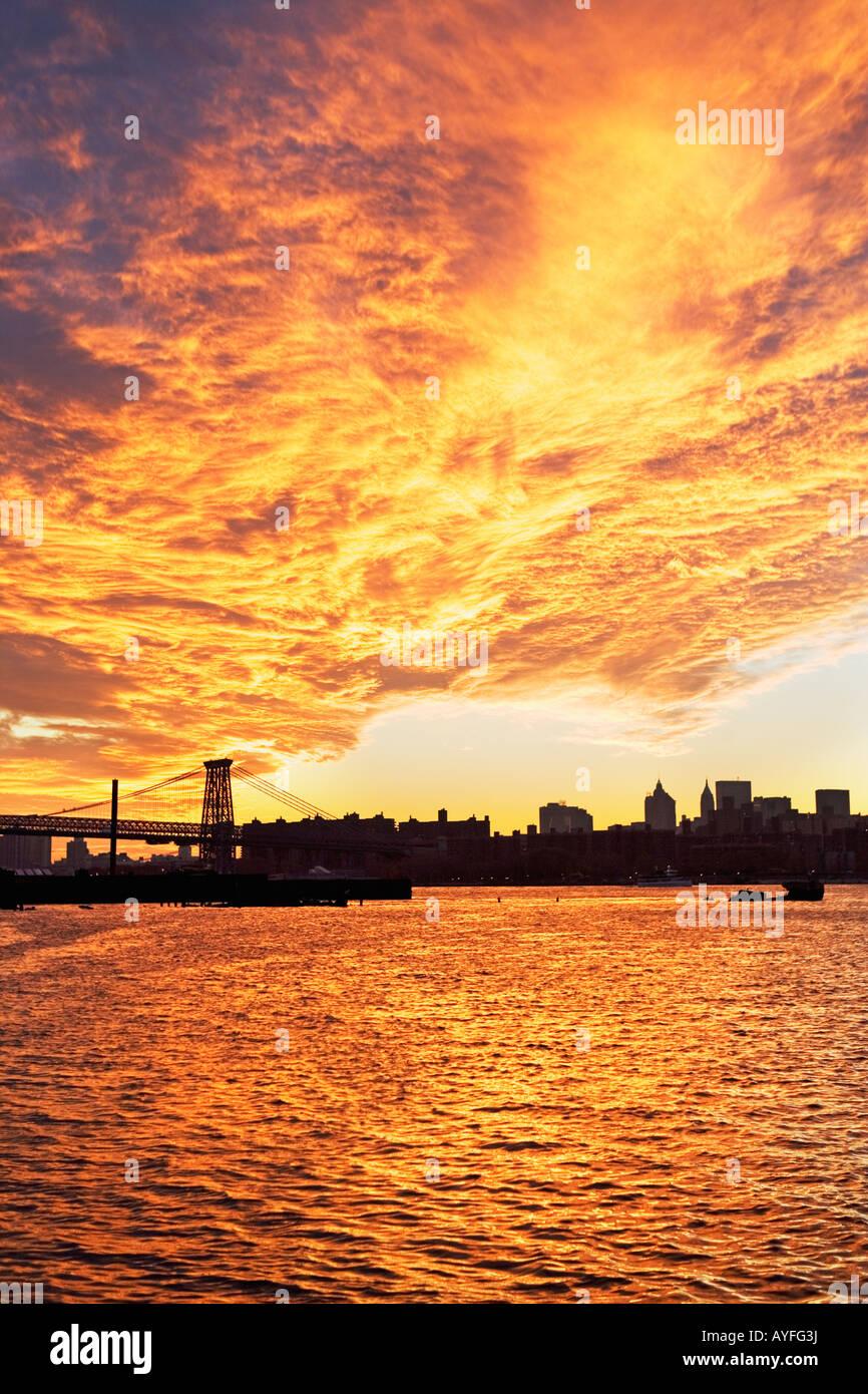 Williamsburg Bridge and sunset, New York City - Stock Image