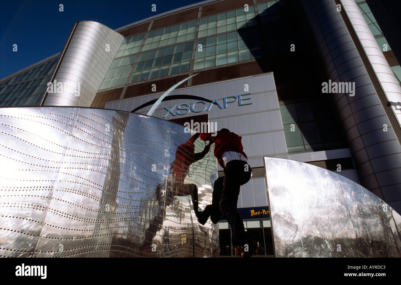PICTURE CREDIT DOUG BLANE Doug Blane practicing Le Parkour climbing freerunning outside the Xscape snow dome Central - Stock Image