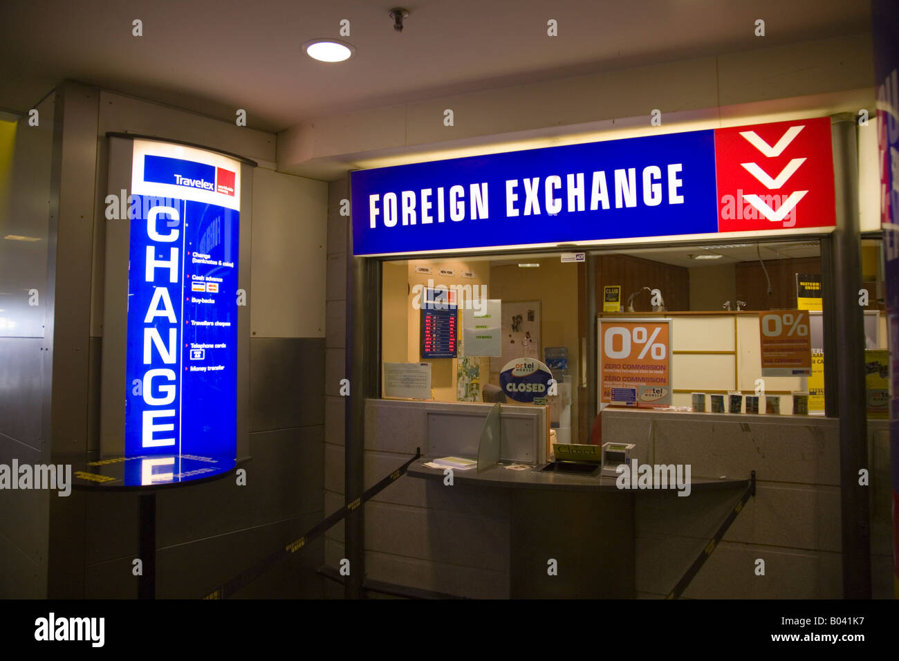 Bureau de change at bruxelles midi station brussels belgium stock