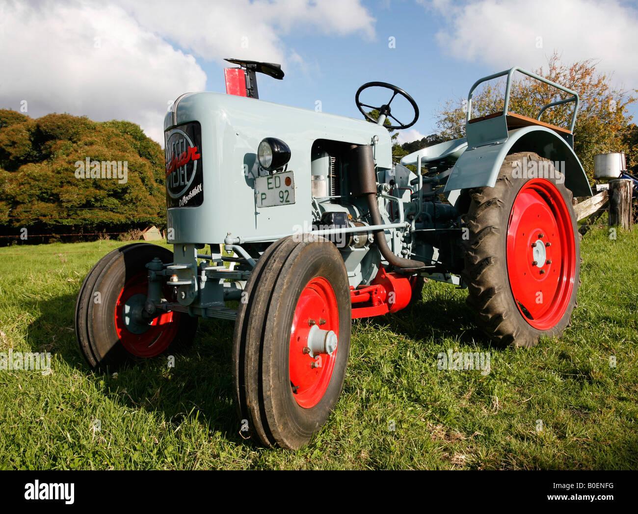 antique-1956-eicher-1-cylinder-tractor-B0ENFG.jpg
