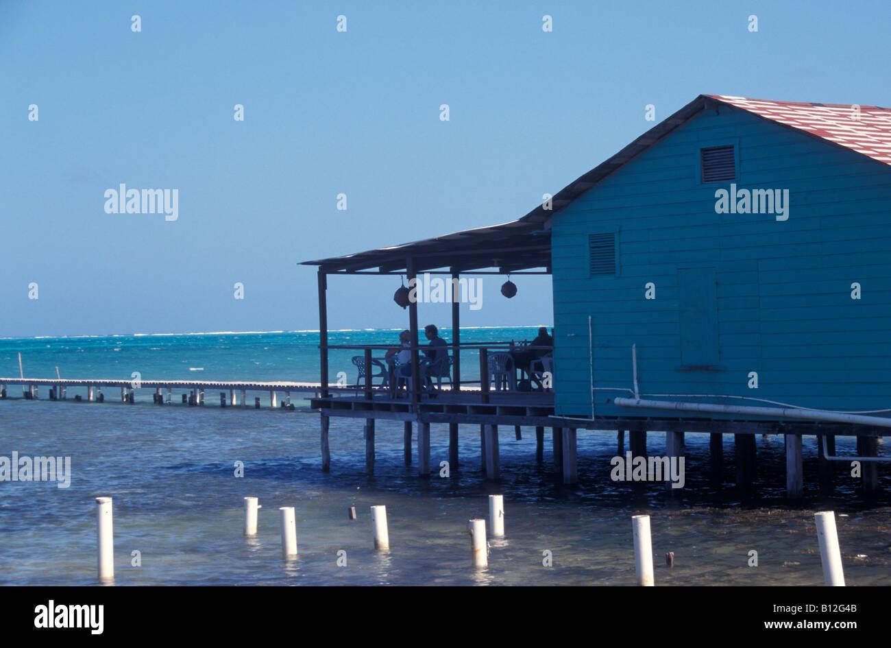 waterside-seaside-bar-and-restaurant-on-stilts-caye-caulker-belize-B12G4B.jpg