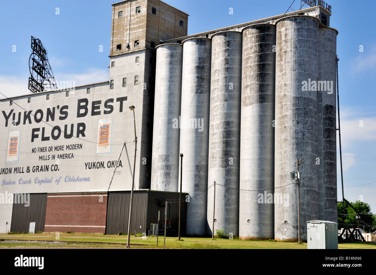 yukons-best-flour-a-mill-that-grinds-whe