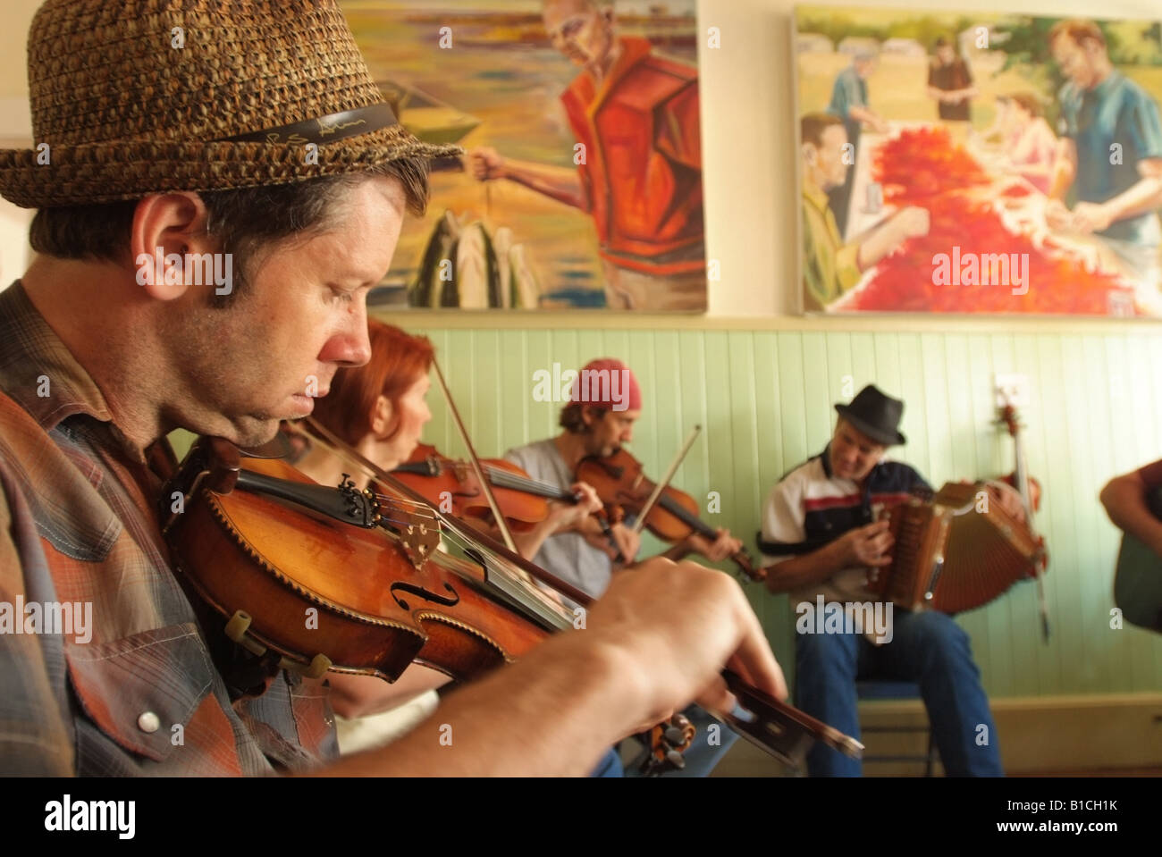 usa-louisiana-la-cajun-country-breaux-bridge-cajun-music-jam-session-B1CH1K.jpg