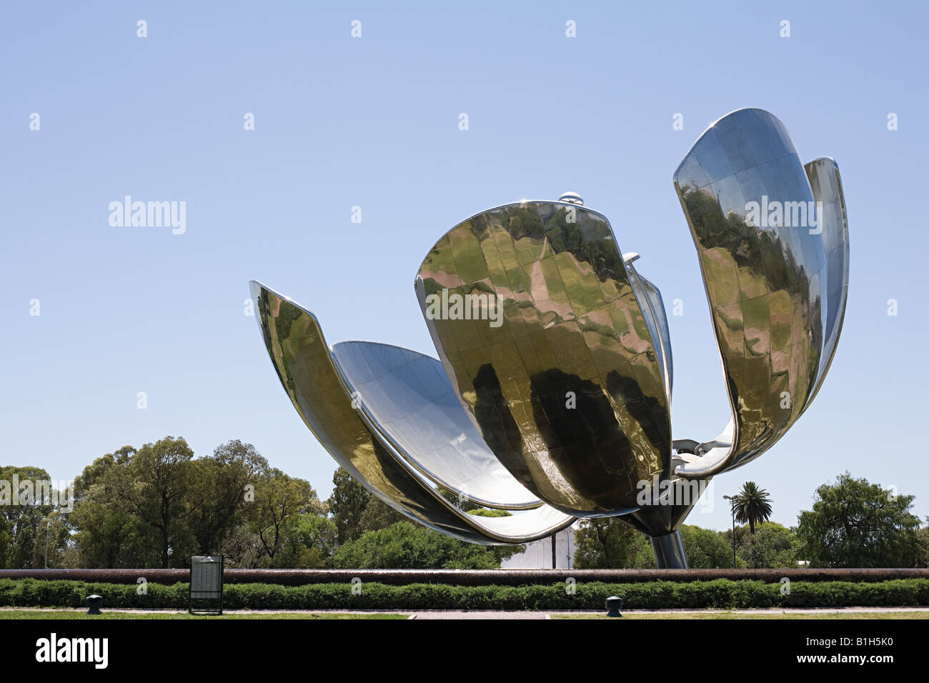 Flower sculpture in buenos aires - Stock Image