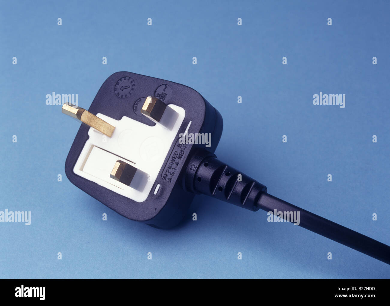 a 3 pin plug UK type Stock Photo: 18607049 - Alamy