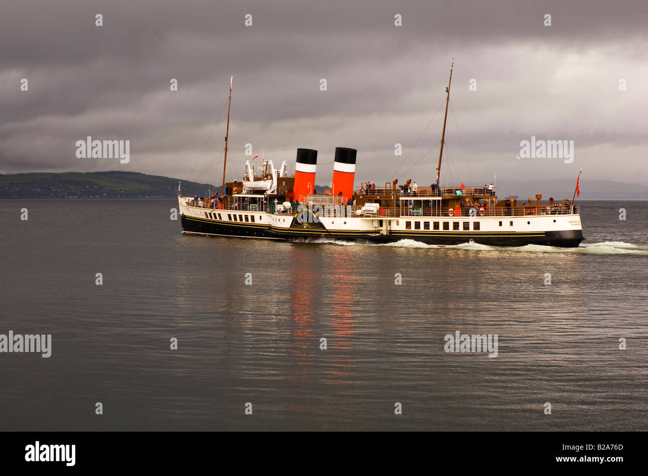 ps-waverley-leaving-dunoon-on-the-clyde-