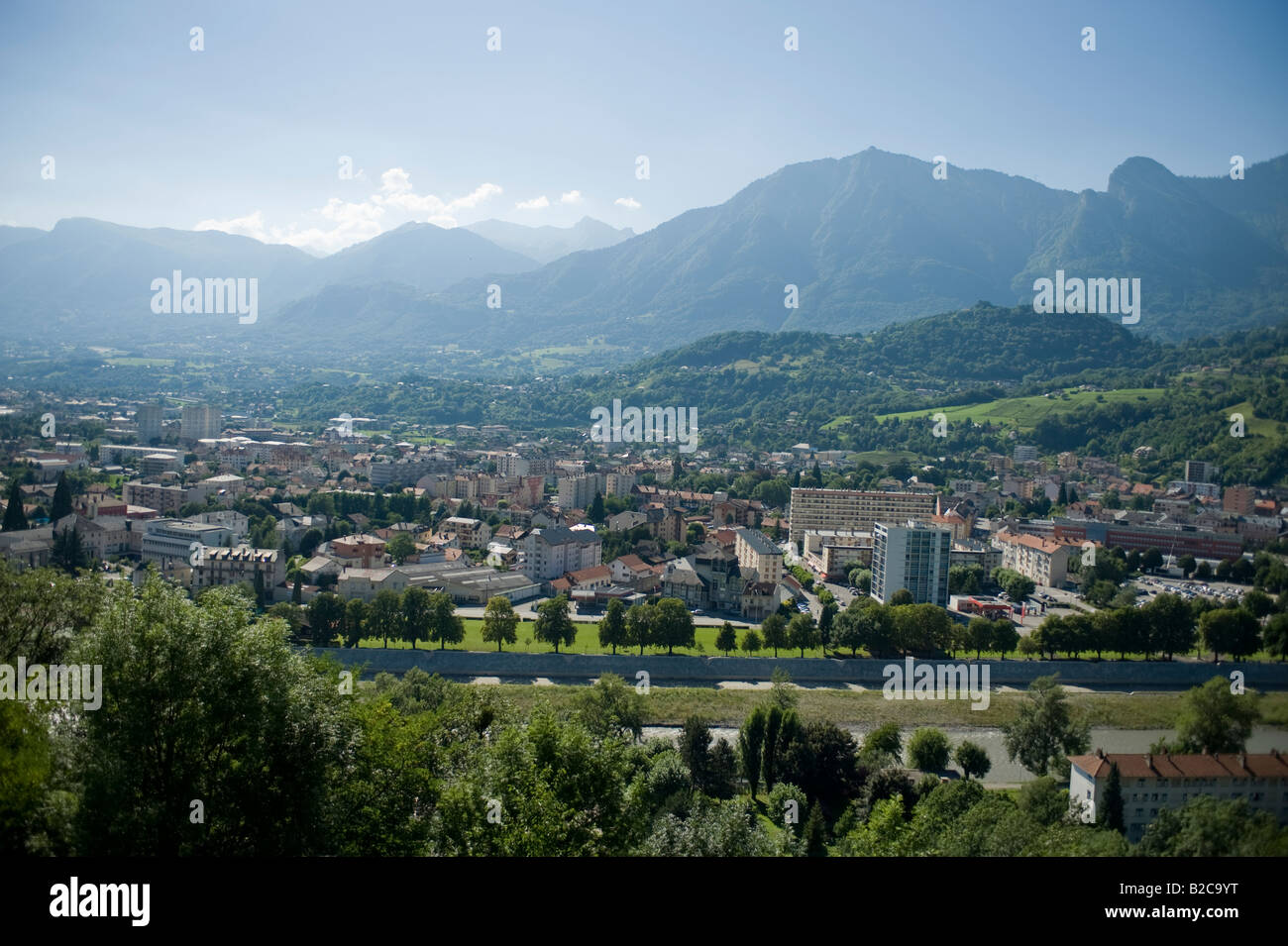 summer-view-of-the-city-of-albertville-i